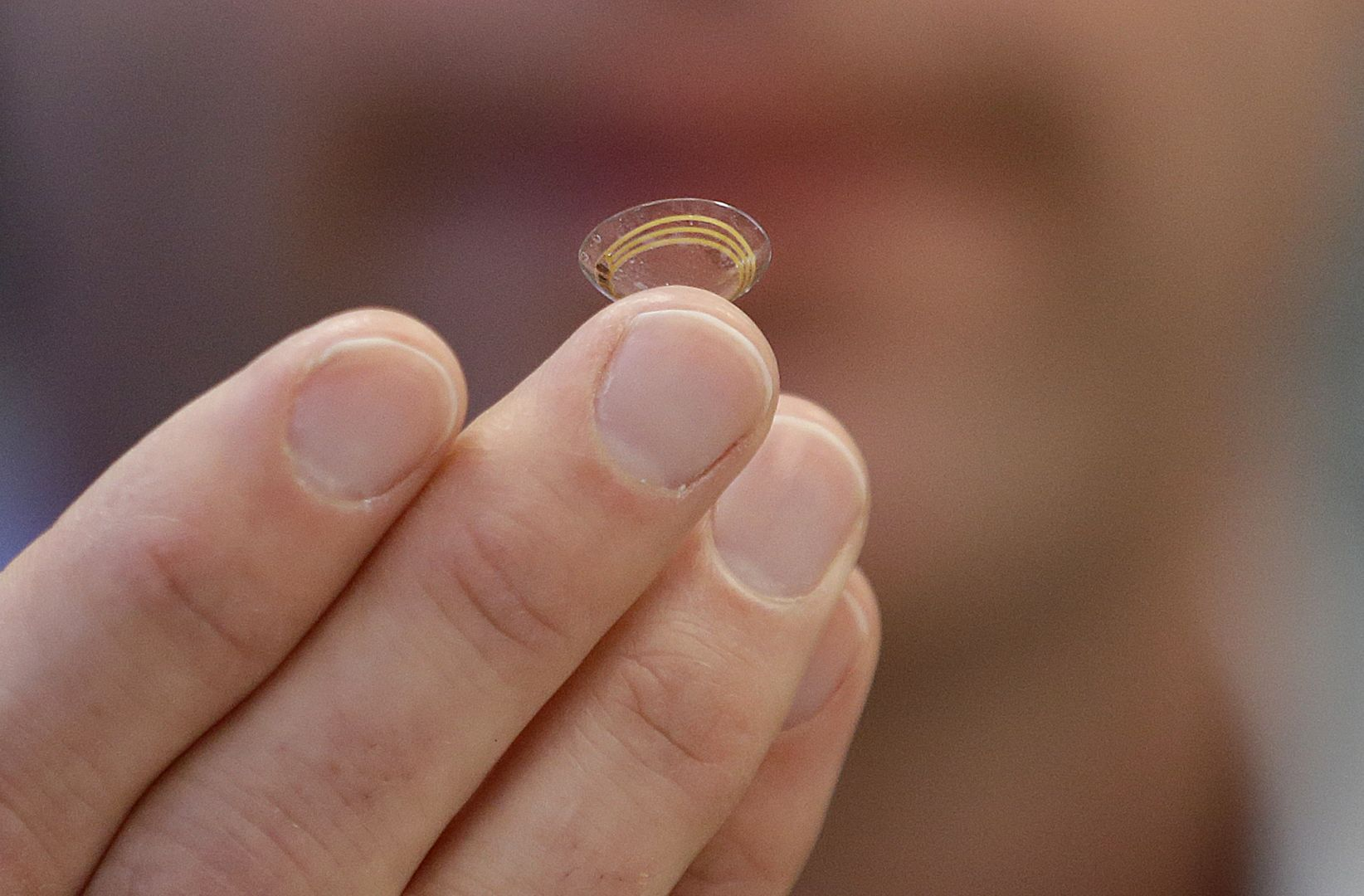 Google Smart Contact Lens That Keeps Your Eye Hydrated