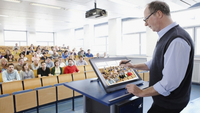 Samsung Providing Augmented Reality in Classroom